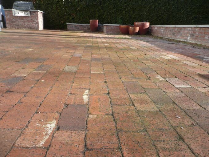 ... Patio Custom Red Brick BBQ With Concrete Cap Red Clay Paver Close Up ...